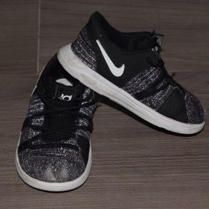 Nike KD10 Toddler sneakers Size 7